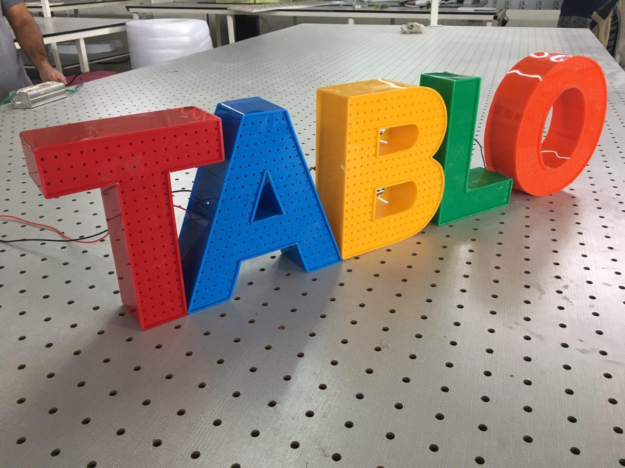تابلوسازی حروف پلاستیک